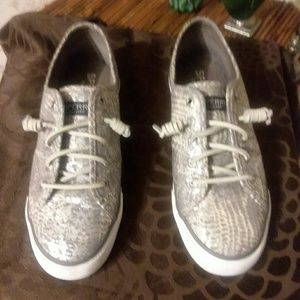 Sperry Top Sides Sneakers sz 8